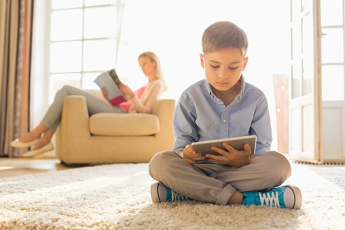 Different generations favor different media, with younger using tablet and older reading print magazine