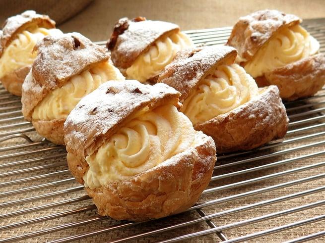 Cream puffs pate choux