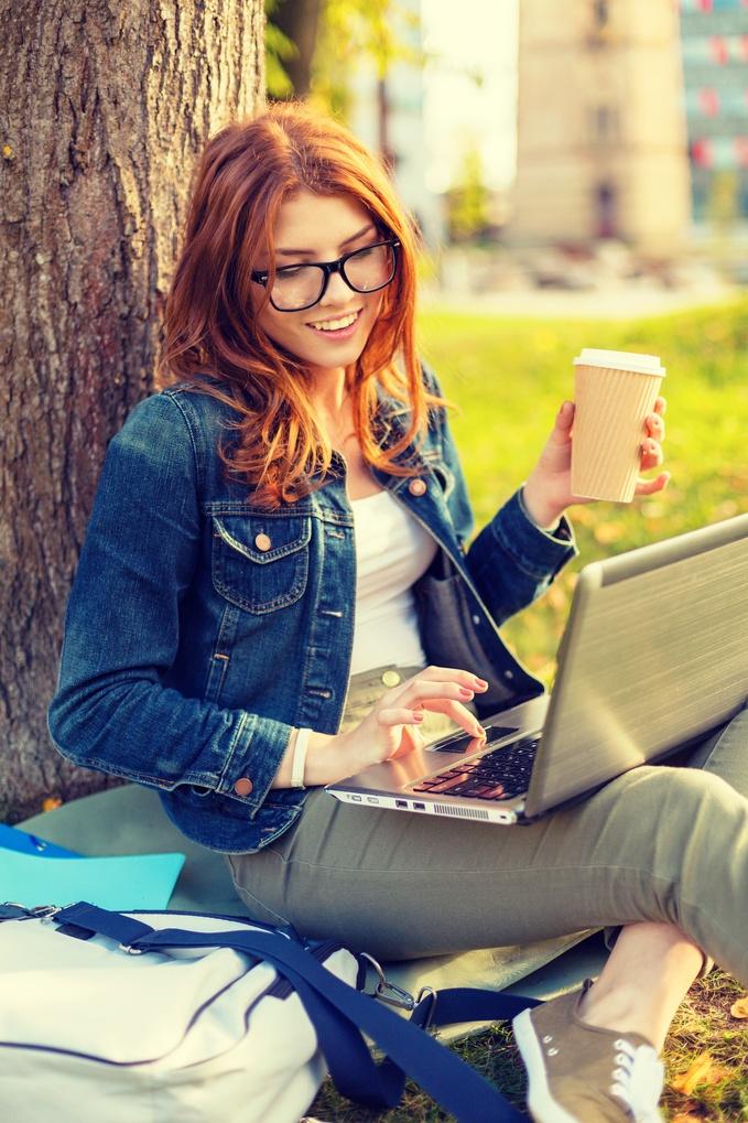 reading_online.jpg